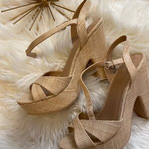 Kari Blue Vera Sandals 😍😍😍😍🌸🌸